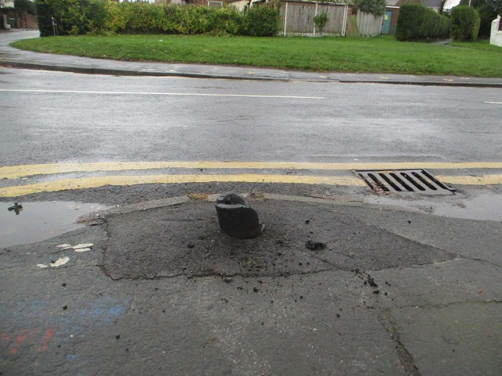 Attached picture bollard (2).JPG