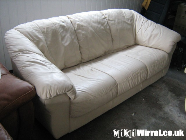 Cream Leather Sofa 39 S 2 3 Seater For Sale Items
