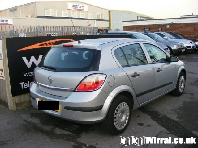 vauxhall-astra-hatchback-1-3-cdti-16v-life-90-5dr-1899756038-640x480.jpg