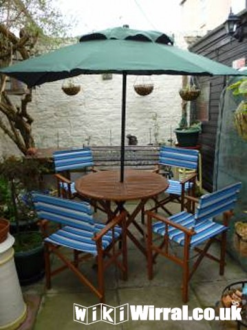 Garden Table, 4 Chairs & Parasol.jpg