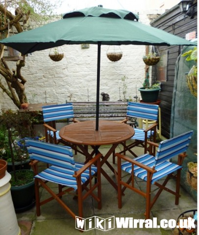 Garden Table, Chairs & Parasol.JPG