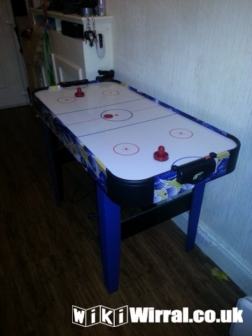hocky table 002.jpg