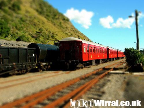 910-wikiwirral-train.jpg